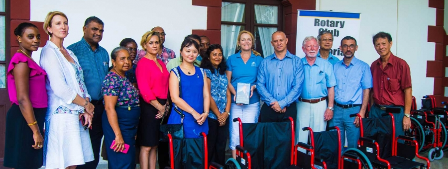 20 new wheelchairs received from international donors