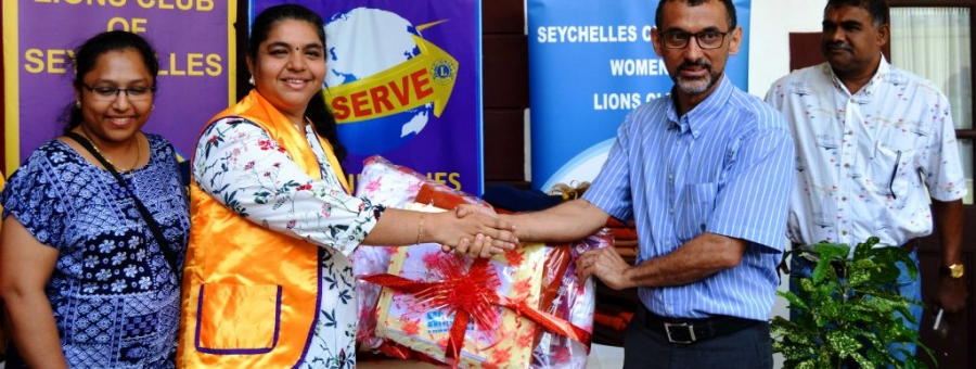 Seychelles Hospital Casualty unit gets new bedding sets